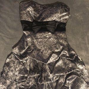 Silver/Black Paisley cocktail dress sz.9
